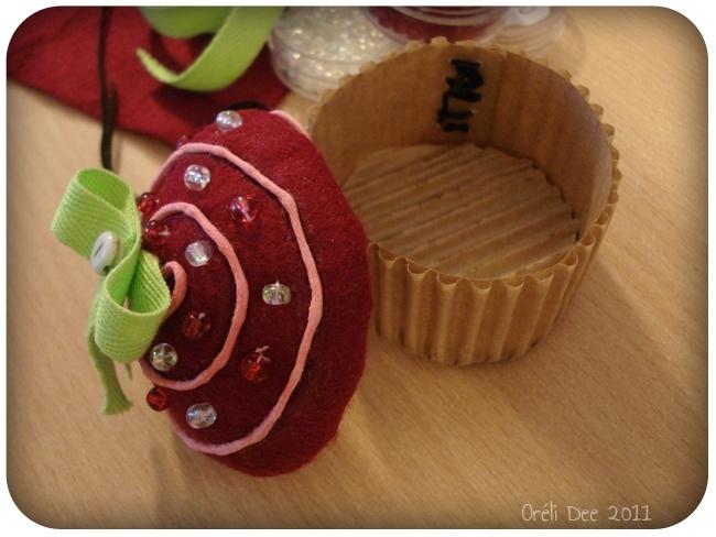 cupcake framboise or li dee. Black Bedroom Furniture Sets. Home Design Ideas