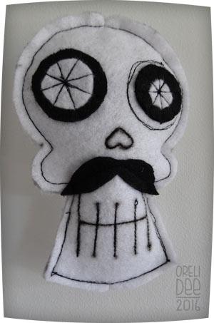 skull / tête de mort / mobile