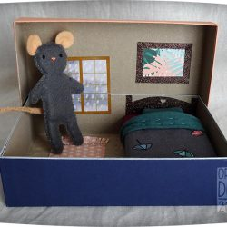 boite de jeu trou de souris en feutrine
